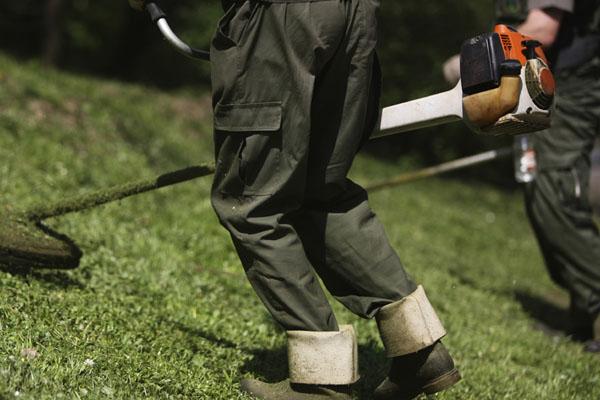 Trabajos que queman m s calor as for Trabajo jardinero