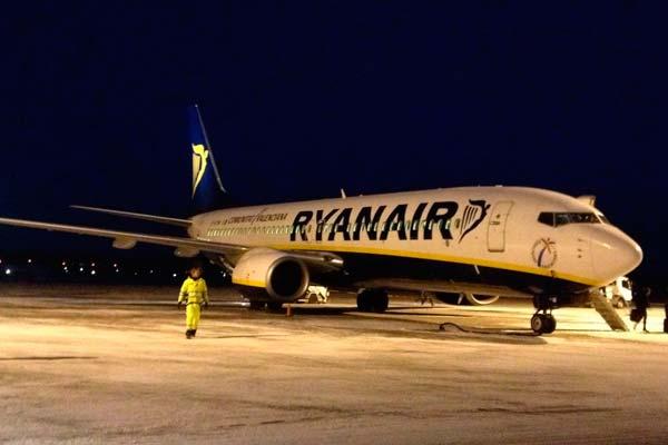 Uno de los aviones de la flota de Ryanair, una buena empresa aérea a la que enviar tu currículum
