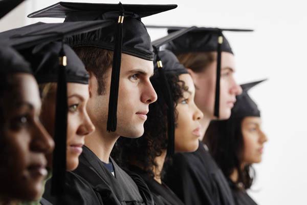 Muchos graduados superiores se enfrentan al problema actual de desempleo