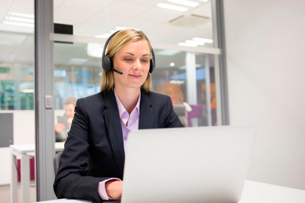 entrevista de trabajo online gracias a Internet