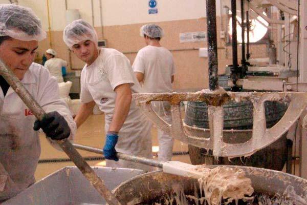 Interior de la fábrica de Chocolates LACASA